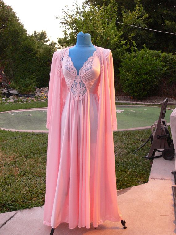 Olga pink long nightgown and matching robe size med | Pink ...