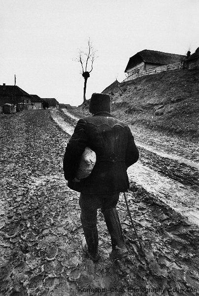Korniss Péter | Körmendi-Csák Fotográfiai Gyűjtemény