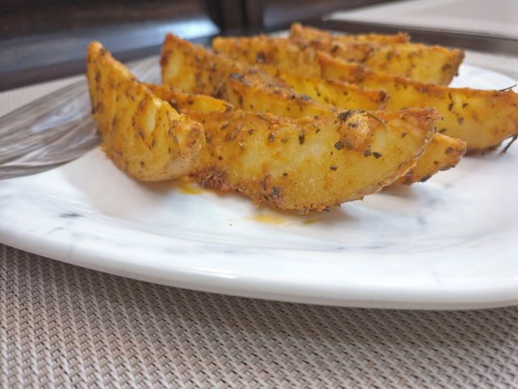 Baked Parmesan Potato Wedges | How to make Baked Parmesan Potato Wedges | Baked Parmesan Potato Wedges Recipe . . . . . #thatbakergal #indianfoodbloggers #POPxoFeatures #delicious #starters #appetizers #bakedparmesanpotatowedges #parmesancheese #cheese #instagram #foodtalkindia #crazyindianfoodie #instagood #instafood #delish #tasty #hungry #hungersatisfied #omnomnom #yummy #amazing #munchies #foodie #foodgasm #foodlover #favorite #homemade #snacktime #comfortfood