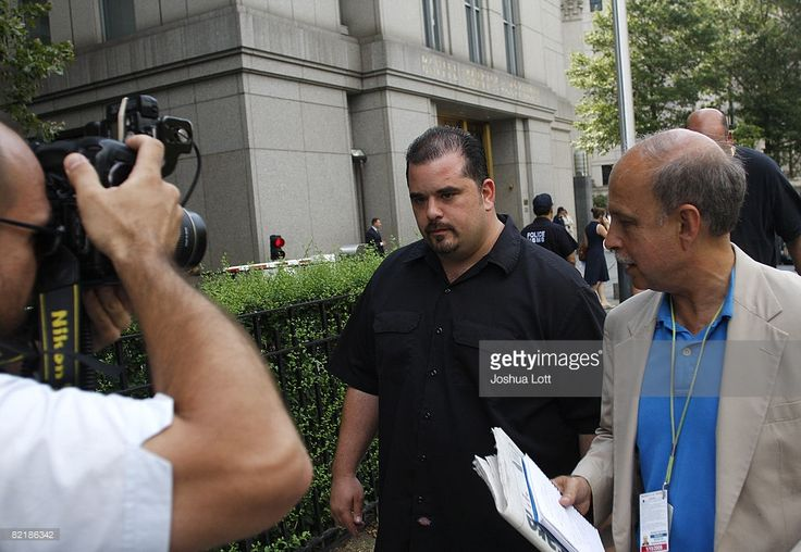 Peter Gotti (C) leaves his brother John 'Junior' Gotti's trial at the Federal Court House August 5, 2008 in New York City. John 'Junior' Gotti is facing federal conspiracy charges including murder, according to authorities.