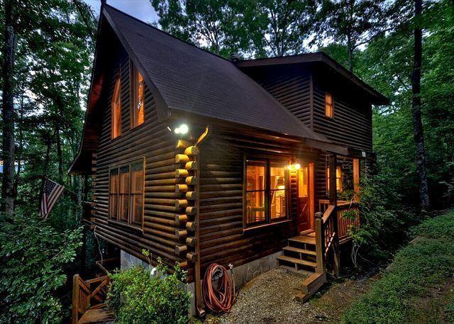 Astonishing 2 bedroom, 2 bath Mountain Cabin with Hot Tub and Flat Screens. - Image 1 - Blue Ridge - rentals