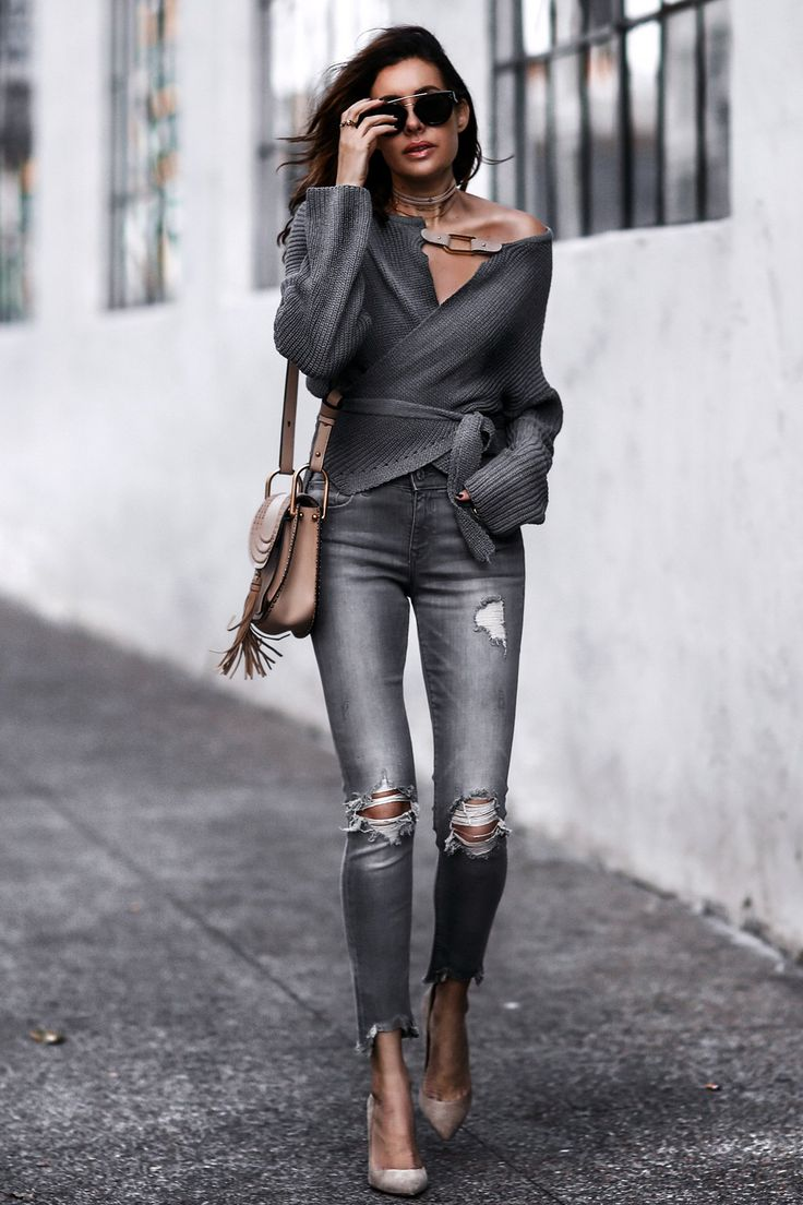 25+ best ideas about Grey Skinny Jeans on Pinterest   Grey jeans Grey skinny jeans outfit and ...