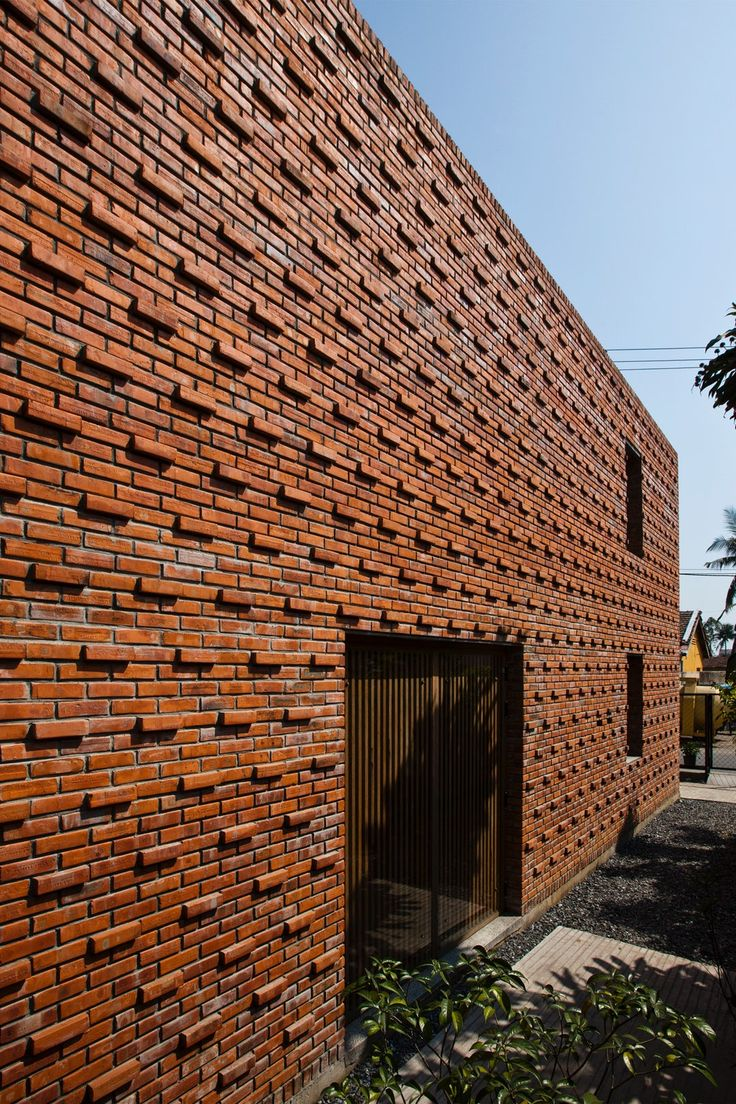 Standing Out: 8 Extruded Brick Pattern Details - Architizer