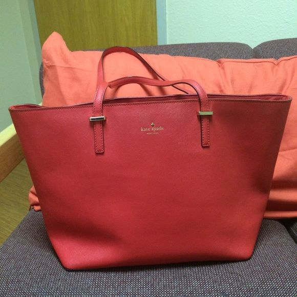 Kate Spade Cedar Street Harmony Tote In perfect condition! Leather is spotless! Will trade for Kendra Scott jewelry/other Kate Spades as well as Rebecca Minkoff! Will go lower on Merc! kate spade Bags Totes