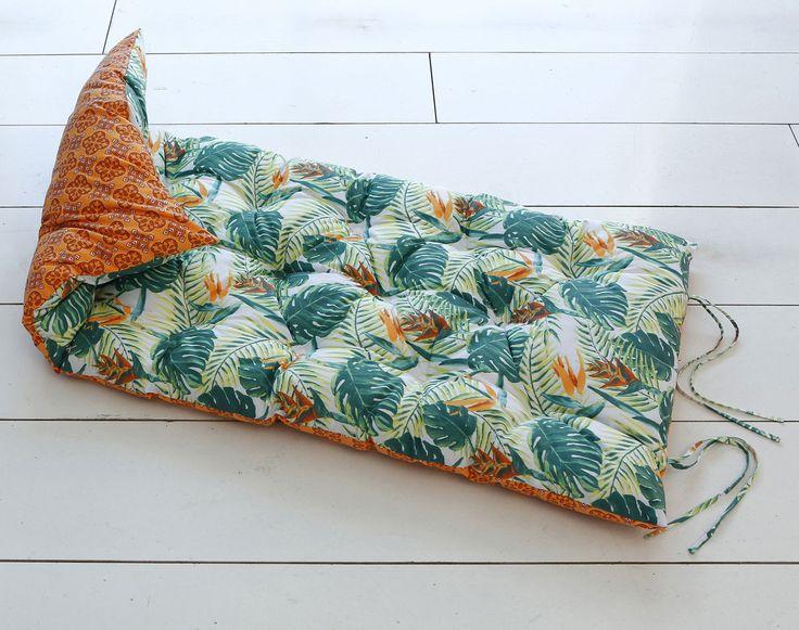 Matelas futon déco réversible imprimé tropical/motifs ethniques | Becquet https://dormir-confortablement.com/matelas-memoire-de-forme/