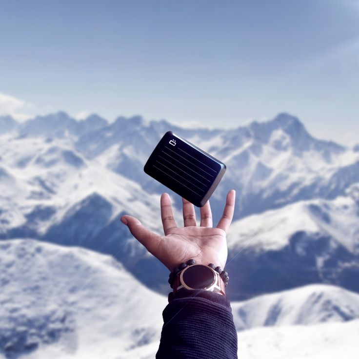 Mountain w/ the STOCKHOLM V2, smart wallet by ÖGON DESIGNS Order now on https://www.ogondesigns.com/en/boutique.php