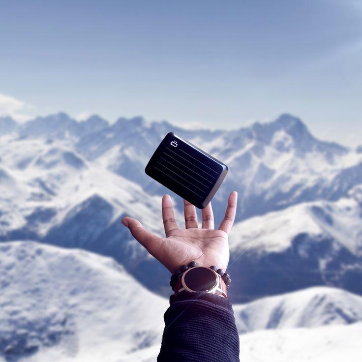 Mountain w/ the STOCKHOLM V2, smart wallet by ÖGON DESIGNS Order now on https://www.ogondesigns.com/en/boutique.php