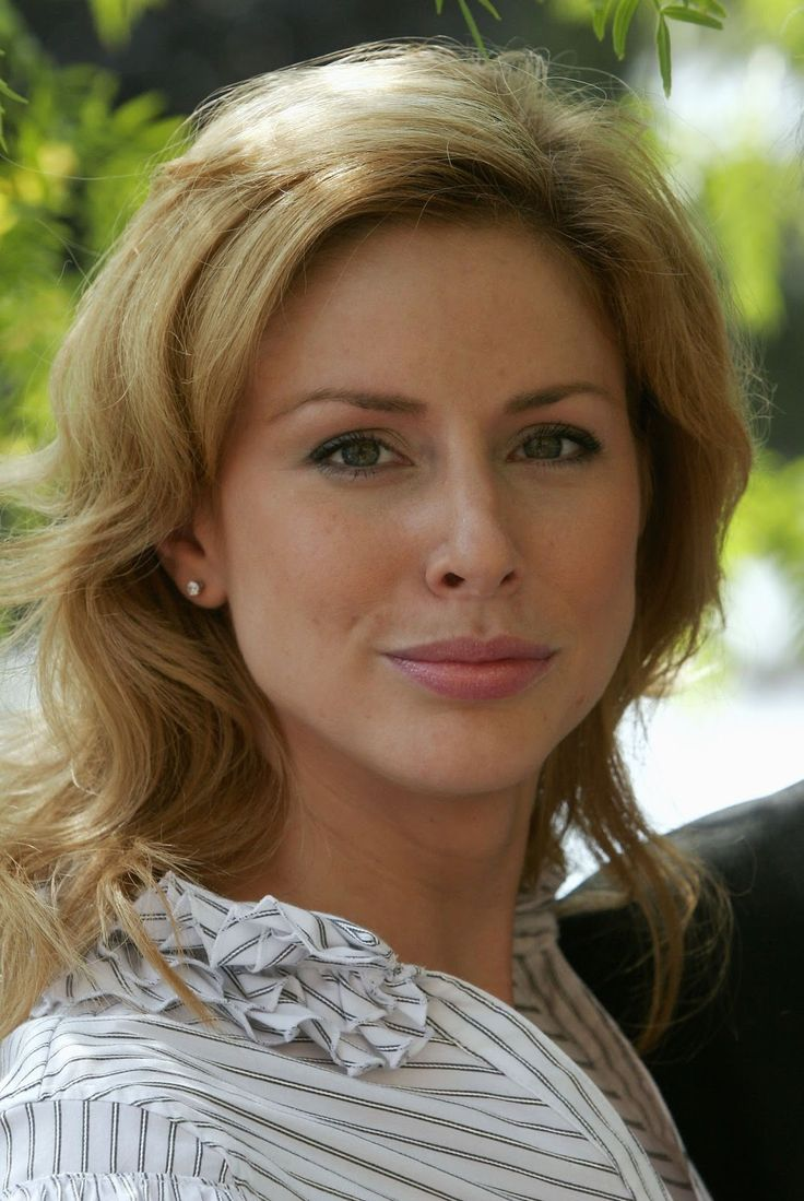 """Diane Neal     Photos: https://www.google.com/search?q=Diane+Neal&source=lnms&tbm=isch&sa=X&ei=y0LlUrqiNcmEygHi9YEo&ved=0CAkQ_AUoAQ&biw=1920&bih=975    Interview:  http://www.youtube.com/watch?v=4VIBRu27DMs      Actress Diane Neal is an American actress widely known for her role as Casey Novak on Law & Order: Special Victims Unit, which she played from 2003 to 2008, then reprised her role from 2011 to 2012.  Born: November 17, 1976 Alexandria, VA Height: 5' 10"""""""