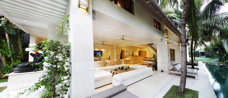 Casa Mateo Lobby Space