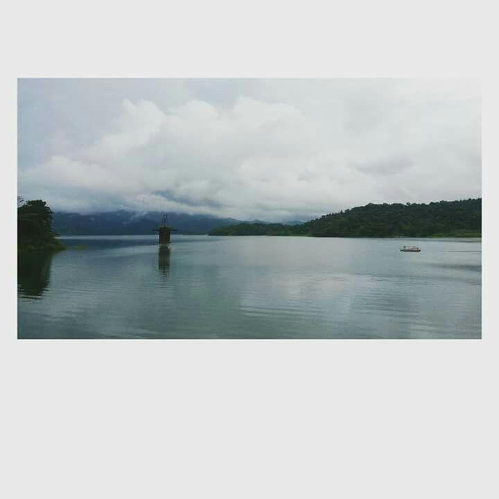 Lago del Arenal. COSTA RICA
