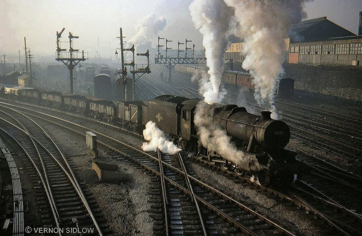 48380: Stanier 8F 2-8-0 in difficulties with Brewery – Horwich goods at Bolton East Jc on Monday 28/03/68. Photo by Vernon Sidlow