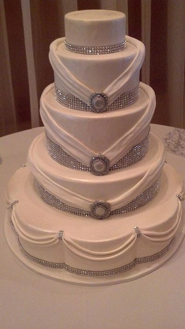 Rhinestone wedding cake(1187) | Flickr - Photo Sharing!