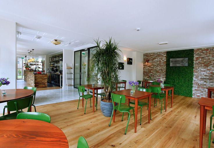 Vegetarisch restaurant (ontbijt, lunch, diner) Hortus Anna Paulownaplein 3 (Zeeheldenkwartier)