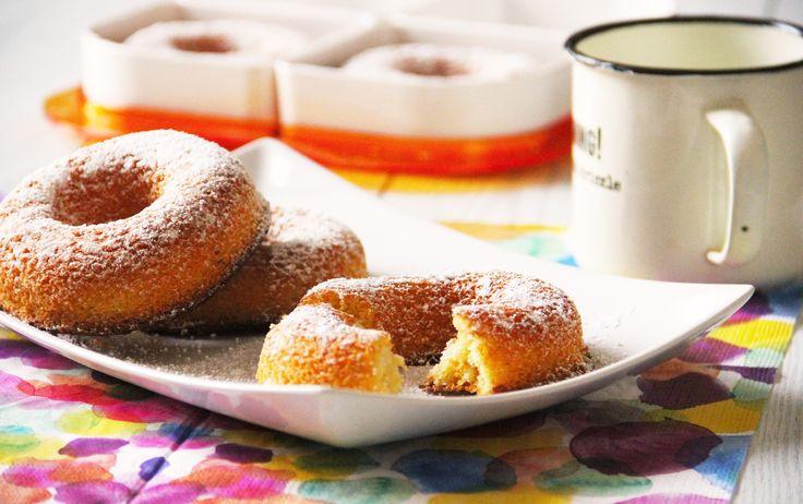 MINI CIAMBELLE la ricetta sul blog www.acquolinainblog.com Oggi un'idea per la vostra colazione! Il loro impasto morbido e soffice vi aiuterà ad affrontare la giornata con più leggerezza o almeno la inizierete con il piede giusto! Per completare le mini ciambelle e per renderle ancora più gustose spolveratele con dello zucchero a velo ed accompagnatele con un buon caffè caldo o tuffatele nel latte! #food #ciambelle #colazione #iniziareconilpiedegiusto #lestatestaarrivando #golosità…