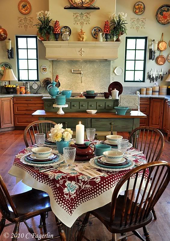 This place looks so cozy!   (love love love this kitchen!!!)