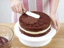 Tort czekoladowy z kremem z białej czekolady – krok 6