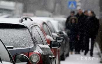Zima prichádza http://spravy.pozri.sk/clanok/JE-TU-PRVY-SNEH:-V-Presovskom-kraji-cestari-vyzyvaju-na-opatrnost/370699