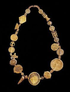 """Africa   Old Royal necklace from the Ashanti people   Gold alloy; embossed, hollow casting, wax bead technique     """"Akan Gold"""" exhibition at Museum Liaunig."""