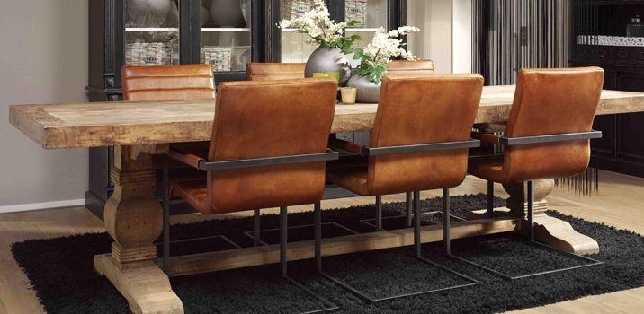Gave stoere kloostertafel met deze cognac lederen stoelen for Eettafel stoelen cognac