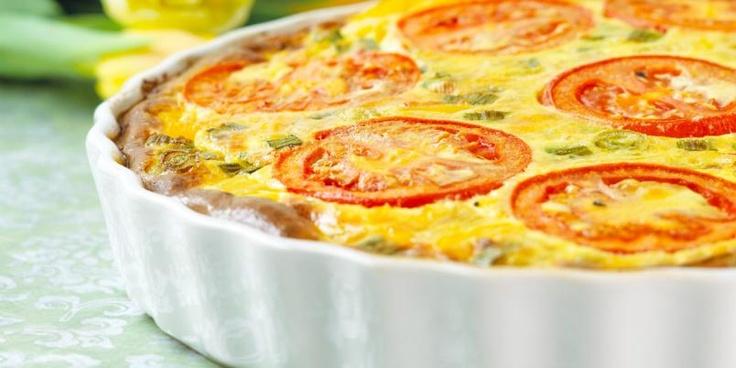 OPPSKRIFTER MED FETAOST:    - Form/Pai: Middelhavspai  - Salat: Gresk salat  - Forrett/Smårett: Søtpotetpletter med mynte og fetaost  - Pasta: Enkel pasta med chorizo  - Tapas: Forrett med fetaost  - Bakverk: Focaccia med chorizo og feta  - Hovedrett: Torskefilet med feta og spinat  - Salat: Paprikasalat med feta og oliven  - Hovedrett: Bakte rotgrønnsaker med feta og hvitløk  - Bakverk: Muffins med feta og oliven