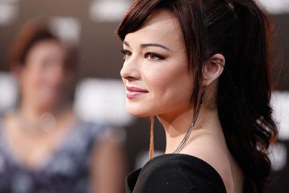 "Ashley Rickards Photo - Premiere Of Lionsgate Films' ""Abduction"" - Red Carpet"