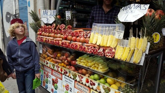 Street Food Istanbul - Pomegranate Juice and Pineapples