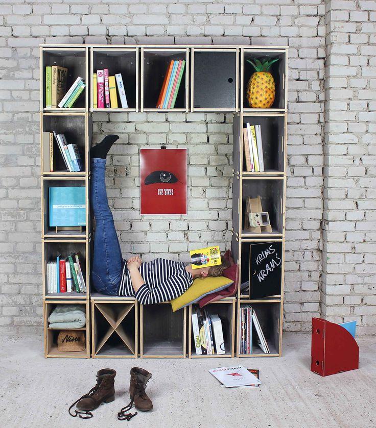 Leseecke war früher: Die leicht zu kombinierenden WERKBOXEN bringen Stauraum und Sitzgelegenheit zusammen. Da bleibt auch für kleine Pausen mehr Zeit.