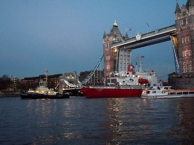 Svitzer Bootle & SA Agulhas /03/12/2012/ by philip bisset, via Flickr