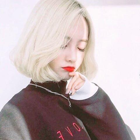ブリーチした真っ白髪がまぶしい☆ ダンスパフォーマンス用のヘアスタイル 髪型・アレンジ・カットの参考に☆