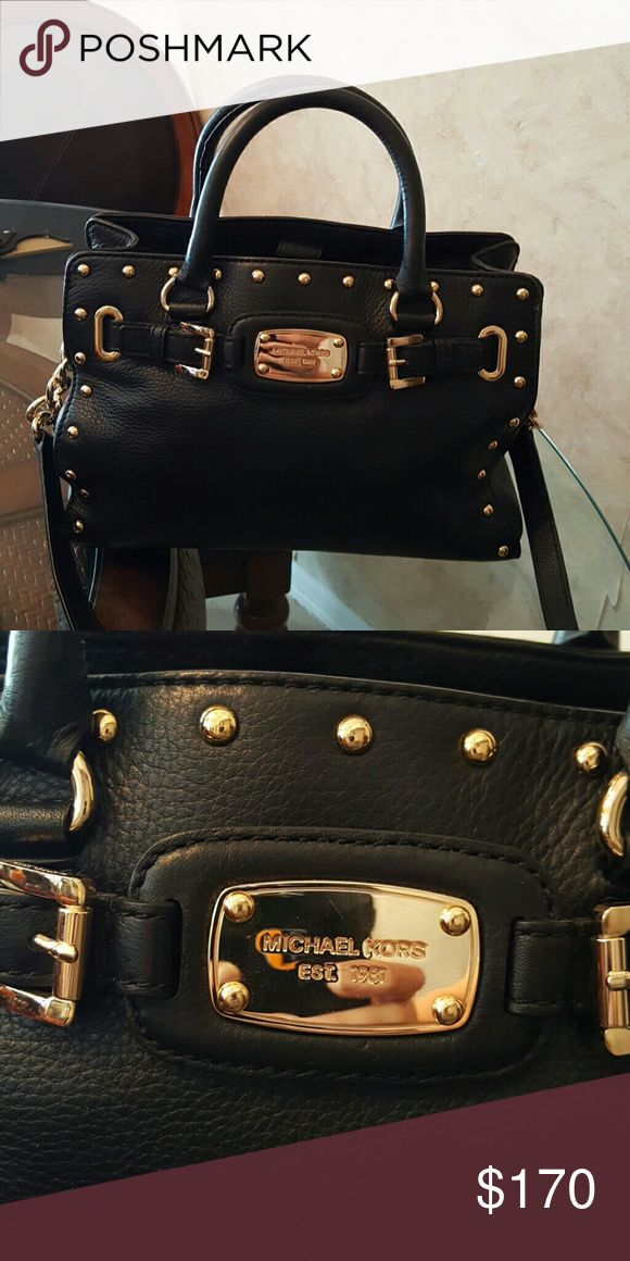 """FINAL PRICE DROP - Michael Kors black purse Like new...only carried this bag one time.  Approximately  12"""" wide and 8.5"""" high.  This price is FIRM.  Please do not submit any lowball offers.  They are rude and will not be considered. Michael Kors Bags"""