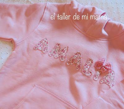 Sudadera personalizada con nombre bordado con tela de flores rosas