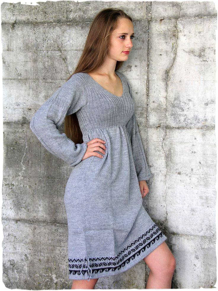 Abito lana d'alpaca Celtico #abito #vestito in #lana a manica #lunga con piccoli #disegni #etnici. www.lamamita.it/store/abbigliamento-invernale/1/abiti-in-maglia/abito-lana-celtico