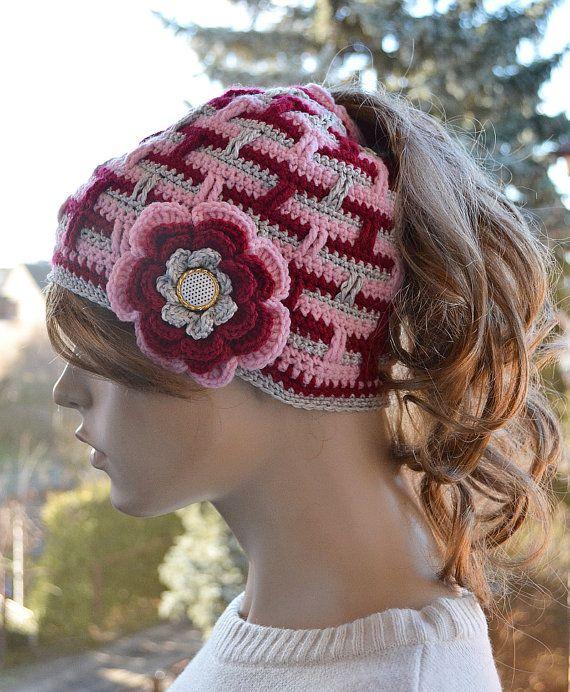 Messy Bun Hatcap Beanie Crocheted Ponytail Hole Hat lovely, #MessyBunHat,#womancap, #crochetBeanie