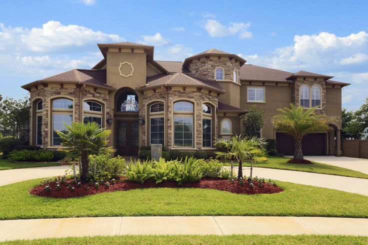 18 best Creative landscaping of circle driveways images on ...