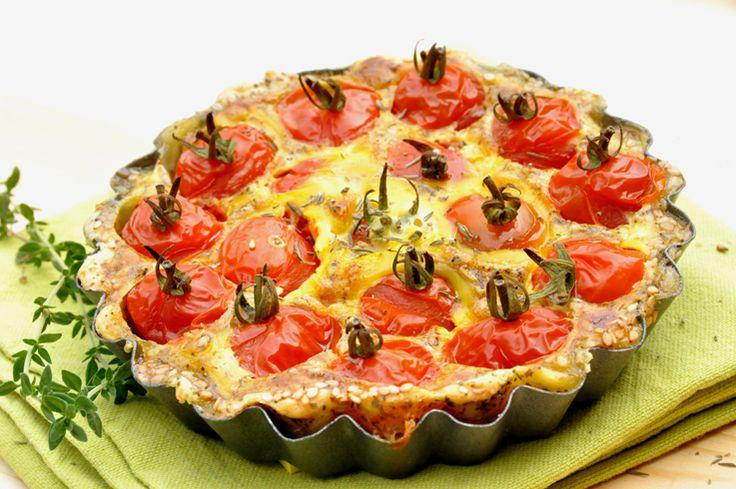 Délicieuse tarte légère avec des tomates cerises. Son petit côté pratique, vous aurez tout loisir de la préparer à l'avance, et au moment de la servir, vous verrez... vous allez faire sensation ! Tarte aux tomates cerises Temps de préparation : 25 mn...