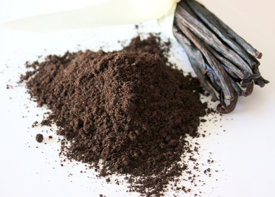 vanilla powder. could use pure or grind 1 dried pod with 1/4 c powdered sugar. The longer it sits the better the flavor.