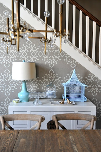Love the wall covering