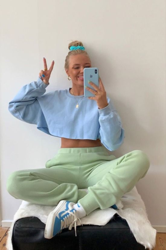Outfits ✨ uploaded by Saraah on We Heart It Outfits Leggins, Lazy Outfits, Mode Outfits, Cute Casual Outfits, Spring Outfits, Girl Outfits, Fashion Outfits, Womens Fashion, Fashion Trends