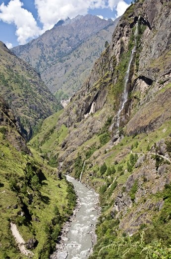 The Great Himalaya Trail in #Nepal traverses 10 distinct regions and 1,700 kilometers of mountain terrain