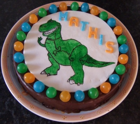 27 best images about mes g teaux on pinterest cars mc queen and toy story - Dinosaure toy story ...