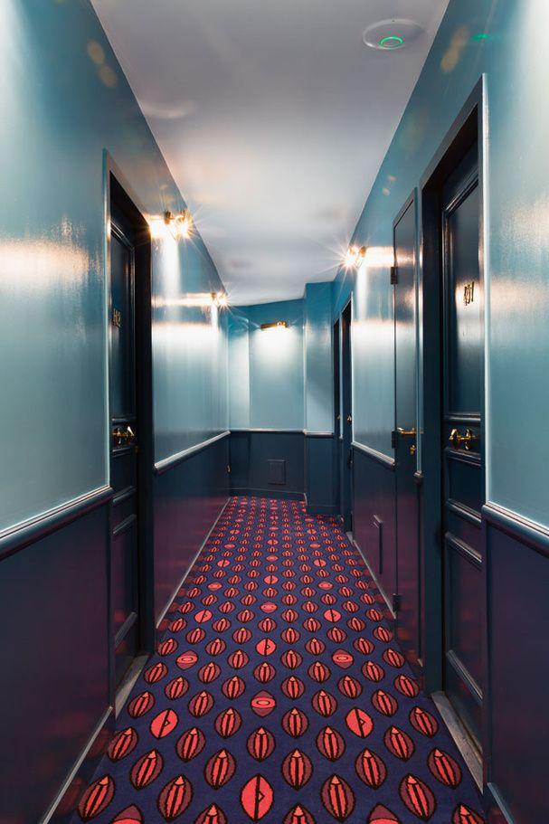 Un couloir de l'Hôtel Grand Amour #hotel #hallway