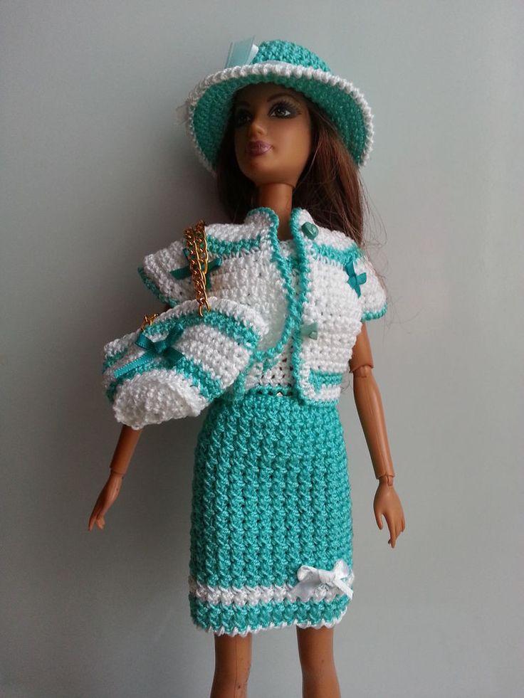 53 best poup e barbie images on pinterest barbie dress barbie clothes and crochet barbie clothes. Black Bedroom Furniture Sets. Home Design Ideas