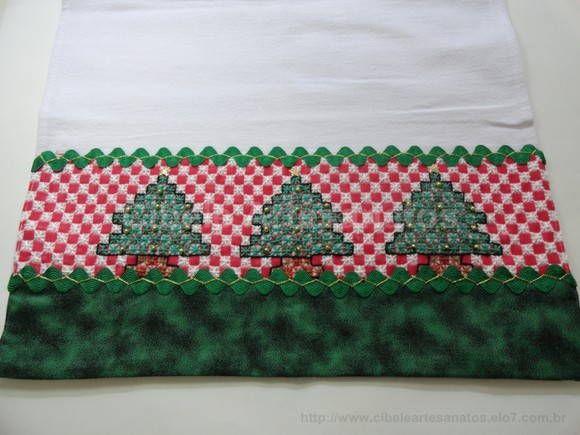pano de prato em algodão,bordado a mão em tecido xadrez. R$ 18,00