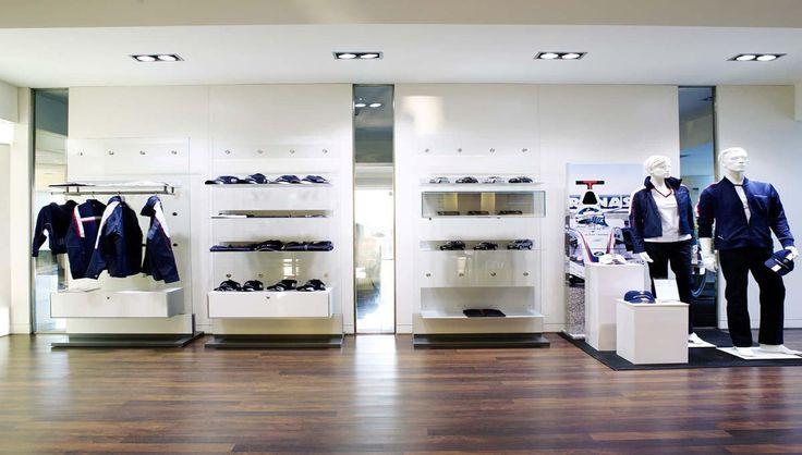 BMW Παπαδοπουλος : Ξύλινες κατασκευές, reception, πόρτες, γραφεία ,ραφιέρες και έπιπλα για το κατάστημα της BMW Παπαδόπουλος. - See more at: http://masterwood.gr/portfolio/bmw-papadopoulos/#sthash.leppzaJb.dpuf
