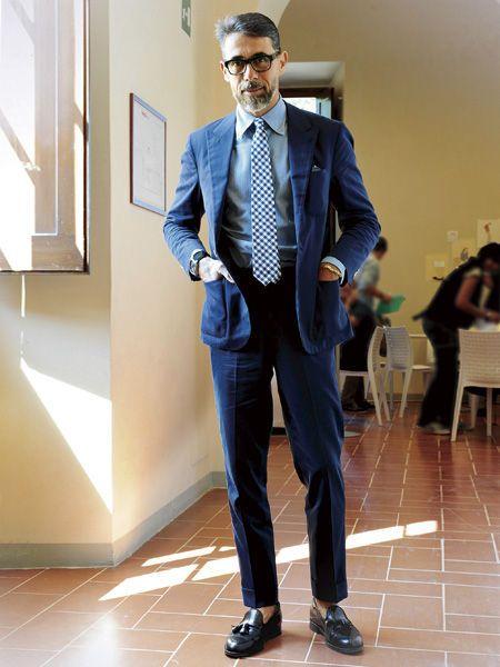紺スーツ×青シャツ×チェックタイ | No:56373 | メンズファッションスナップ フリーク - 男の着こなし術は見て学べ。