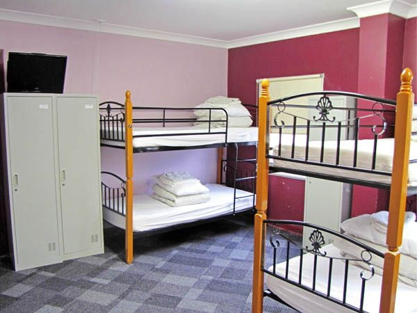 Blue Mountains Accommodation : Multiple Bed with single, two.