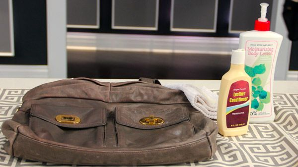 After investing in a nice leather handbag, it's important to keep it clean. With these simple steps, you'll be able to keep it looking new for years. Exterior Cleaning Alcohol Free Baby Wipes are quick and convenient, and a gentle...