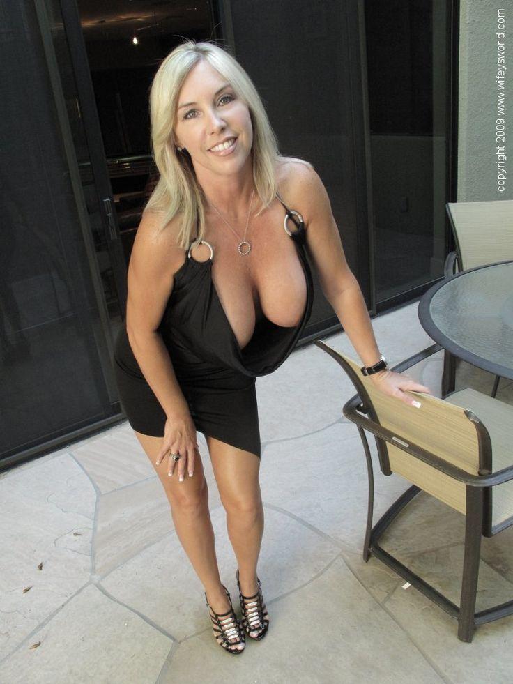Ball lick sex