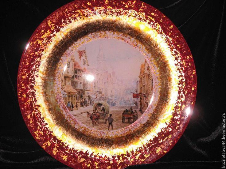 """Купить Тарелки обеденные.Праздничные. Серия""""Старый Город"""" (в красном) - разноцветный, тарелка, стекло, подарок"""