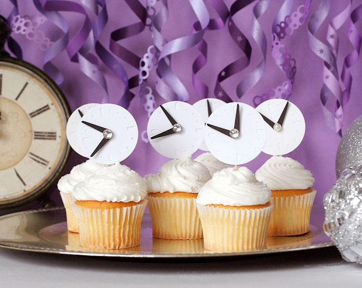 New Year's Eve Cupcakes www.fiskars.com